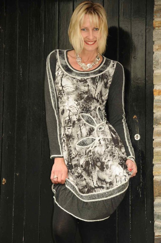 Šaty s dlouhým rukávem R3375 - Roberto Naldi - 48 - černá