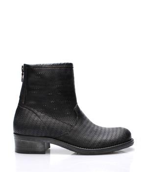 V&C Calzature Černé italské kožené kotníkové boty s dírkováním V&C