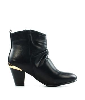Koupit Černé kotníkové boty na podpatku se zipem Claudia Ghizzani