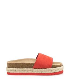 5fc469f1152 Červené pantofle s espadrilovou podrážkou MTNG