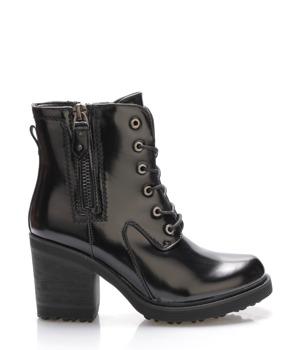 8ebb7bbfe8b Černé lesklé boty s širokým vyšším podpatkem Claudia Ghizzani