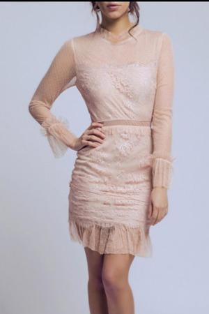 Béžové šaty SOKY SOKA 56004-2