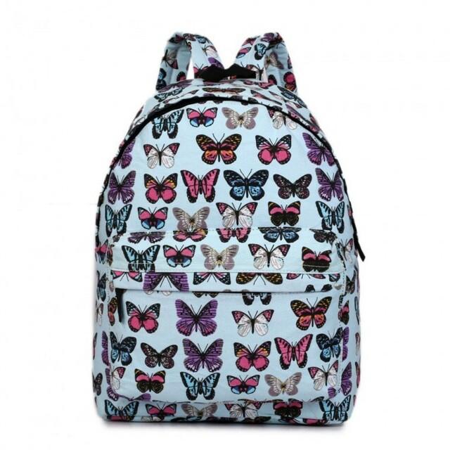 Batoh Lulu Butterfly - světle modrý - modrá 4635acb423