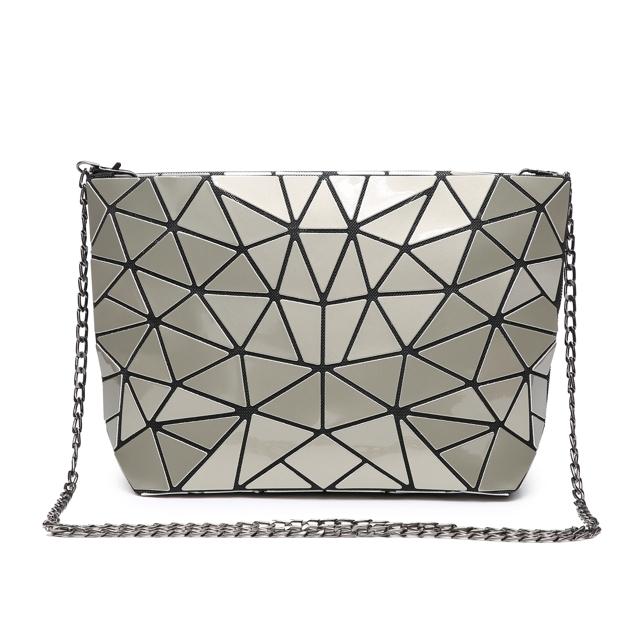 Kabelka Triangle Crossbody - stříbrná stříbrná