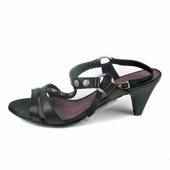 Dámská kožená obuv Comma 28302