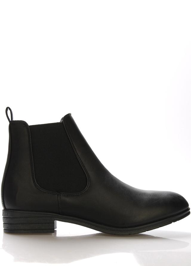 Černé boty perka Claudia Ghizzani
