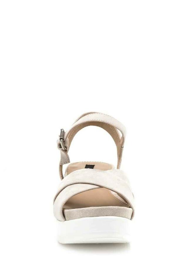Béžové sandály na bílé platformě MTNG(565349) - 3 8113bc3c93