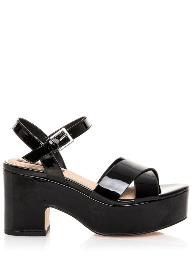 Černé sandály s platformou MTNG