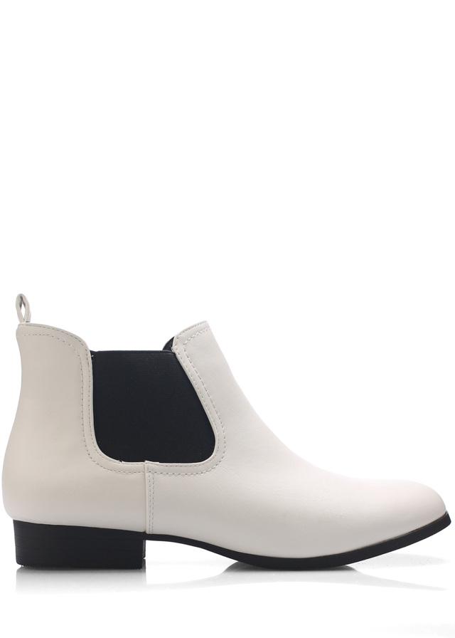 Bílé kotníkové boty s pérky Claudia Ghizzani