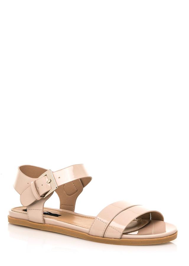 53de232015a0 Béžové lesklé nízké sandálky MTNG(322551) - 4