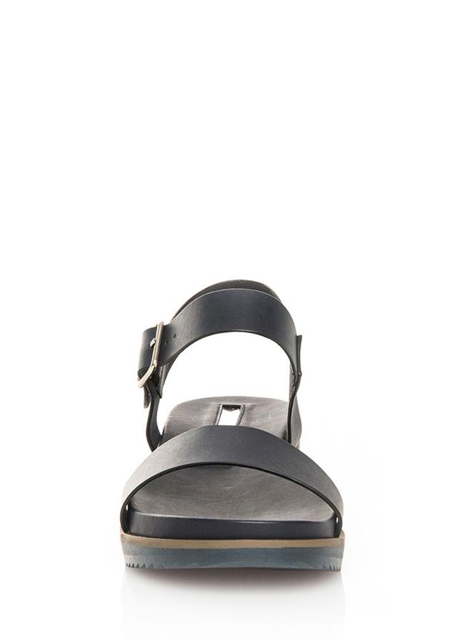 300d3909f2 Tmavě modré sandálky na klínku MARIA MARE