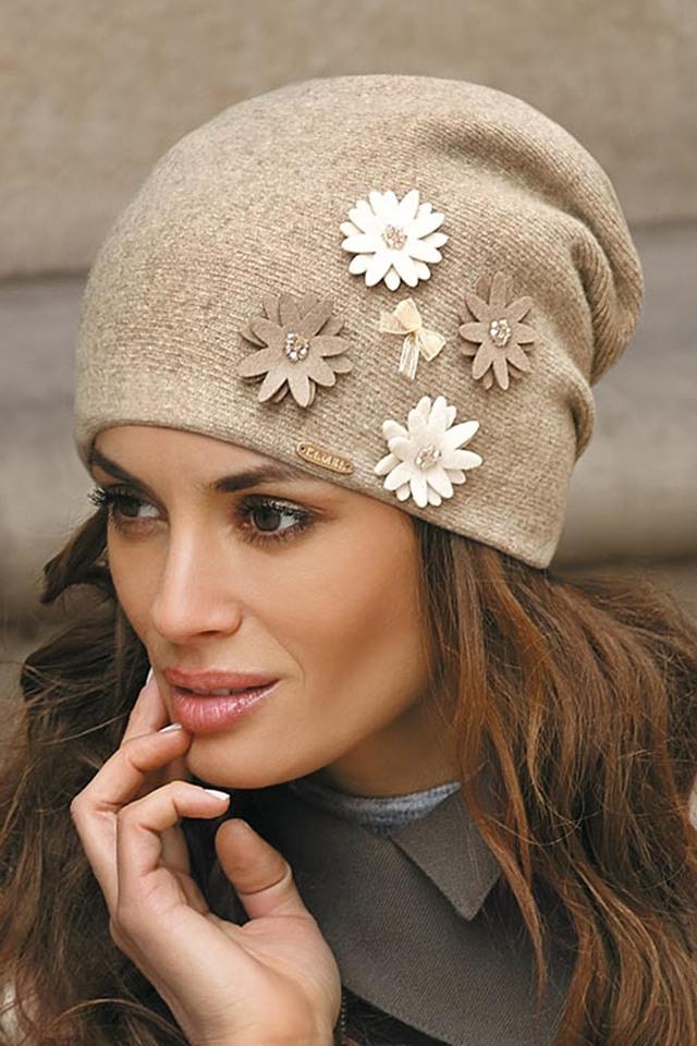 Atraktivní dámská čepice Kamea Ernesta - UNI - tmavě béžová