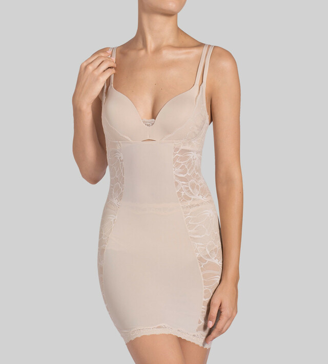 Stahovací šaty Magic Boost Bodydress 01 - Triumph