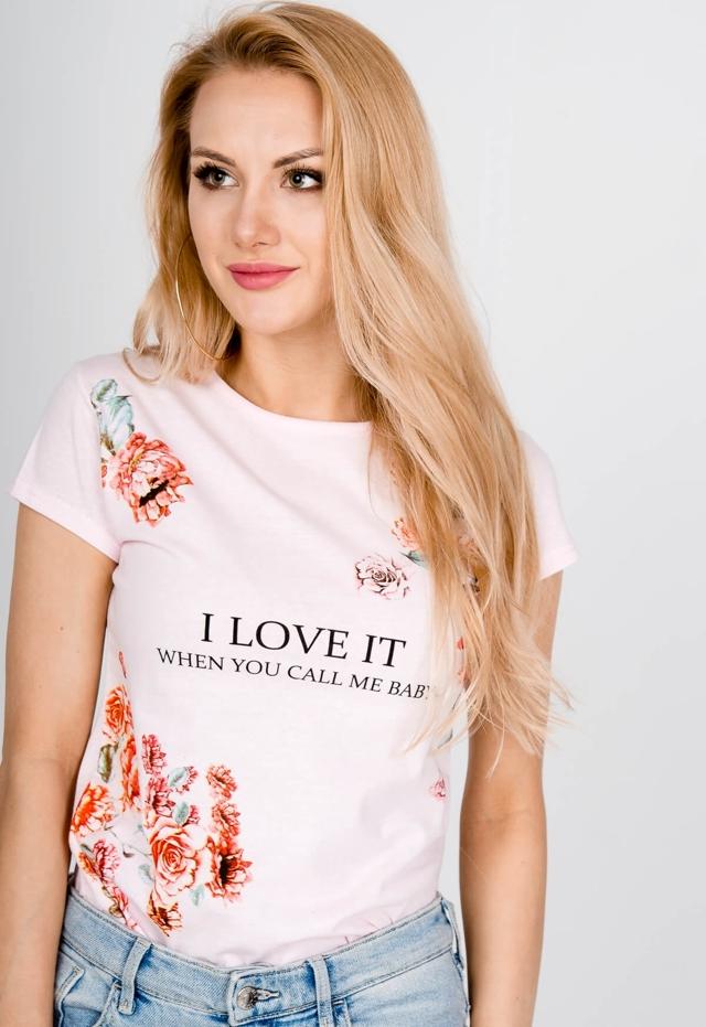 """Dámské tričko T-shirt s potiskem růže a nápisem: """"I love it when you call me baby"""" - M - Pudrově růžová"""