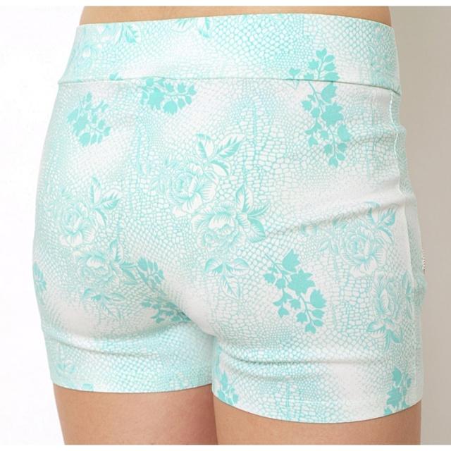 Dámské bavlněné šortky - SS-S711 - S - sv.růžová-bílá