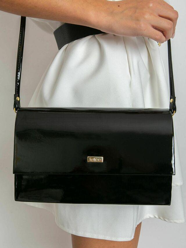 Černá lakovaná spojková taška - ONE SIZE