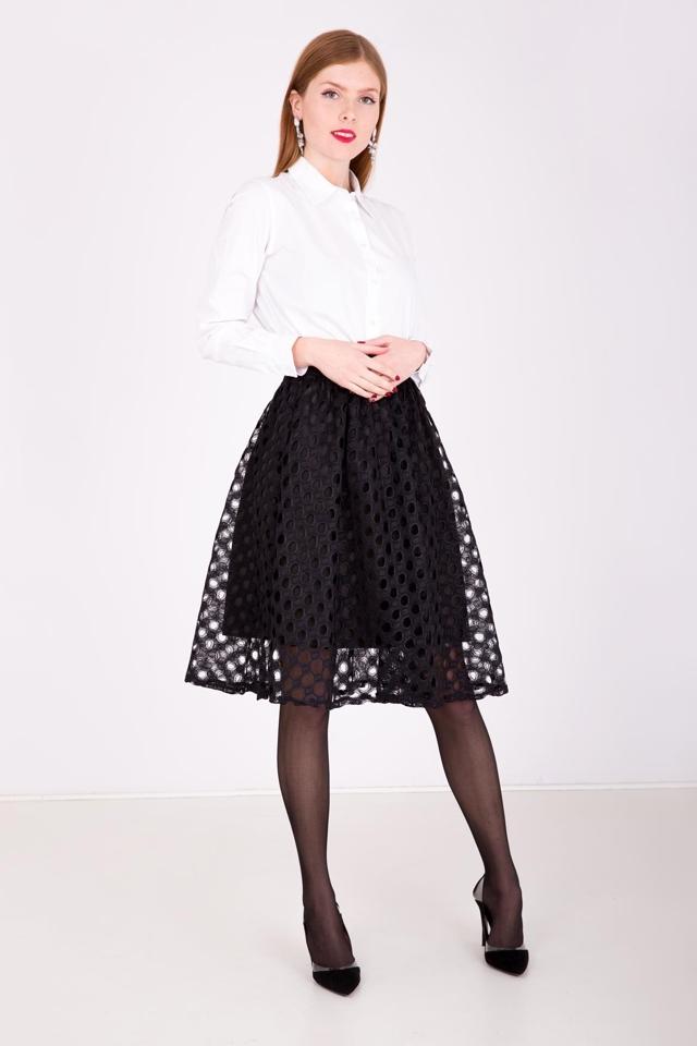 b36afad59f63 Dámská sukně v délce midi s ažurovou vrstvou - univerzální - Šedá