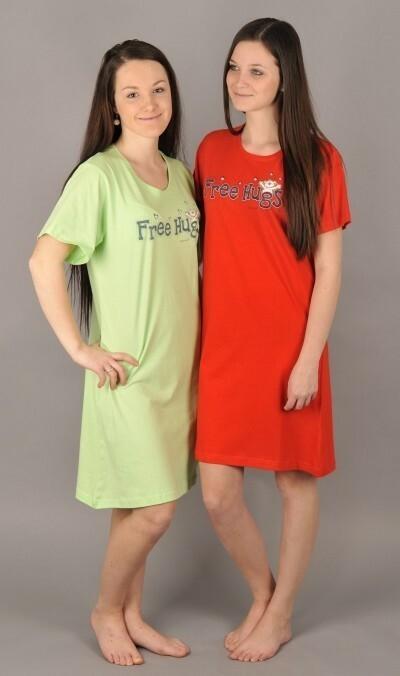 Dámská noční košile s krátkým rukávem Free hugs - světle zelená S