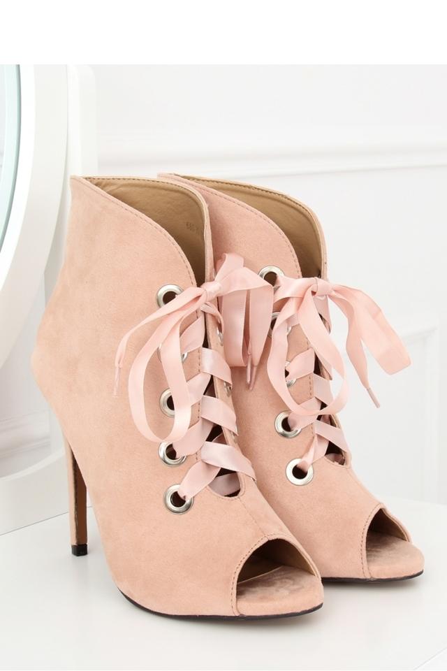 Boty na podpatku model 127979 Inello - 40