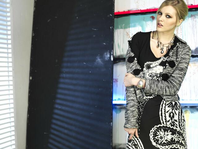 Dámské šaty R3346 - Roberto Naldi - 42 - černá