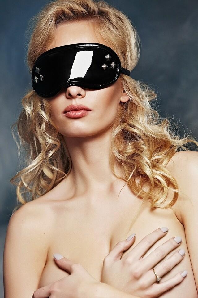 Erotická maska A7790 - Univerzální - černá
