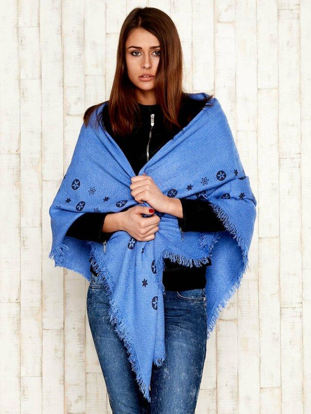 Modrý šátek s květinovým potiskem -