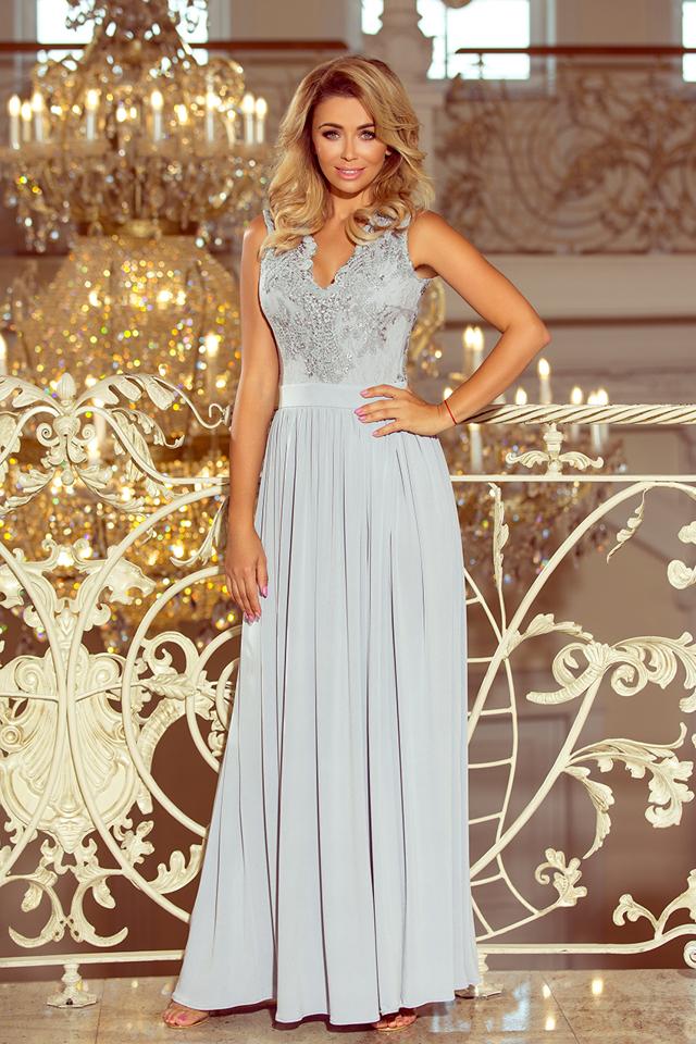 Dlouhé dámské šaty ve stříbrné barvě bez rukávů a s vyšívaným výstřihem model 6405966 - L