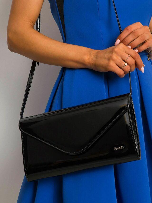 Černá lakovaná kabelka s dlouhou spojkou - jedna velikost