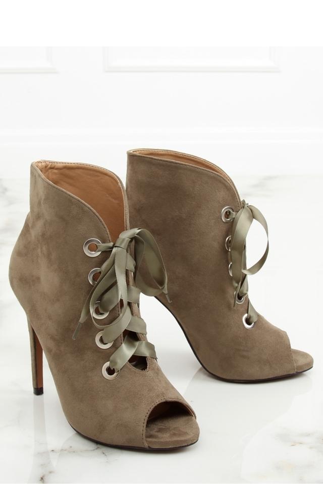 Boty na podpatku model 127981 Inello - 40