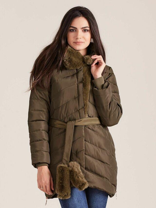 Prošívaná zimní bunda s khaki kožešinou - S