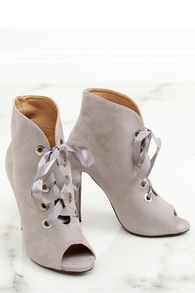 Boty na podpatku model 127980 Inello - 40