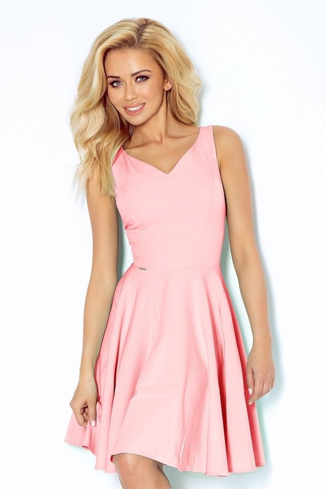 Pastelově růžové šaty s výstřihem ve tvaru srdce 114-5 - L