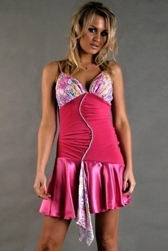 Šaty do tanečních