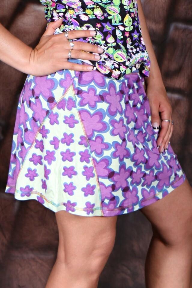 Mini sukně na léto s květinkami - Fialová