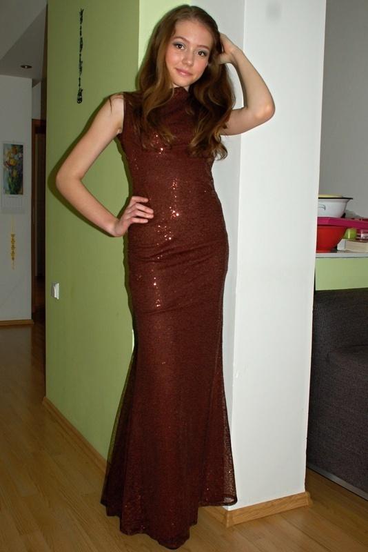 Plesové šaty dlouhé - L