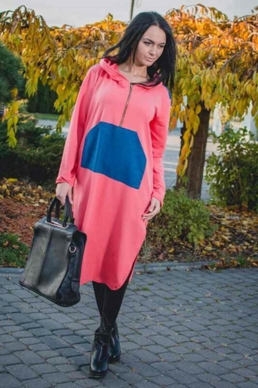 Sportovní šaty s kapucí - M/L