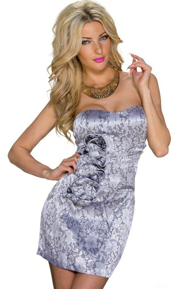 Krátké plesové šaty - XL