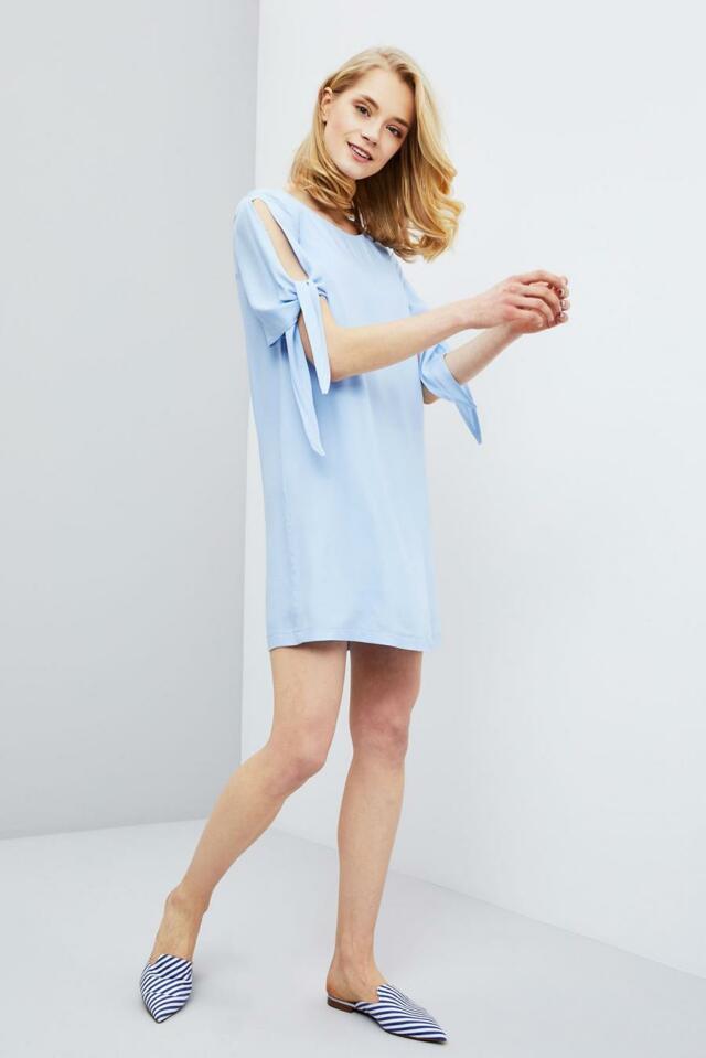 Moodo šaty dámské s průstřihy na krátkých rukávech - XS ace7828939d