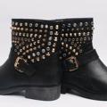 Dámské černé boty nad kotník se cvočky Timeless (4143) - 2