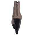 Šedobéžové kotníkové boty na klínku se stříbrnou špičkou Timeless (4148) - 2
