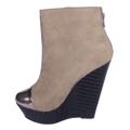 Šedobéžové kotníkové boty na klínku se stříbrnou špičkou Timeless (4148) - 4